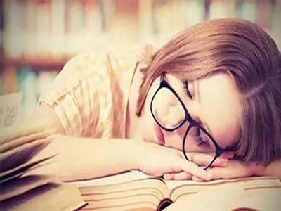 熬夜对白癜风病情的影响大吗