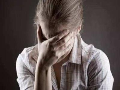 泸州治白癜风医院:女性患有白癜风该如何治疗